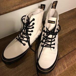 Dr Marten's Monet boot